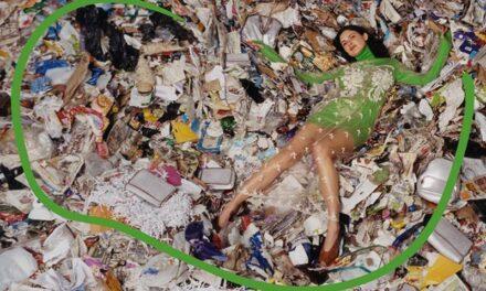 Stella McCartney dénonce les effets de la surconsommation dans sa nouvelle campagne