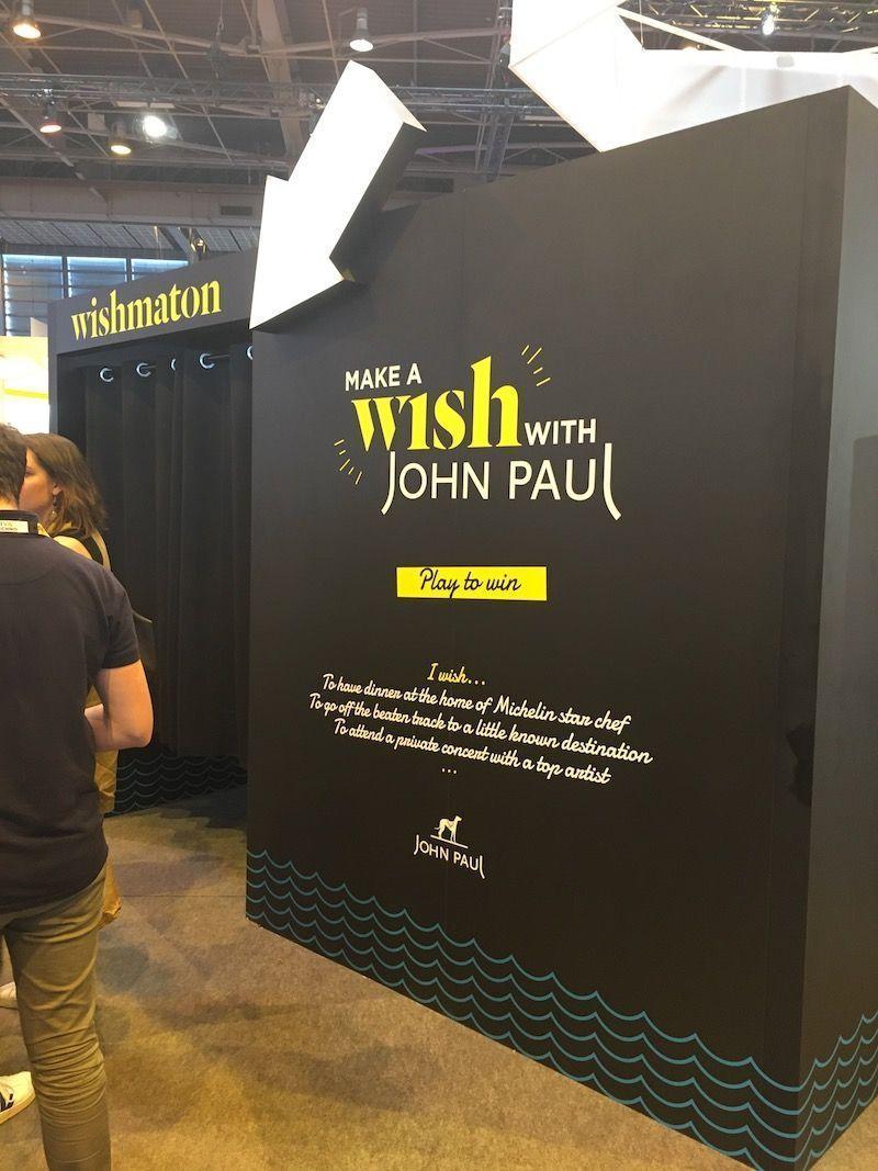 Wish_cabine_John_Paul