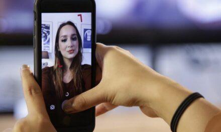 Rimmel utilise Facebook Stories pour faire essayer ses produits en réalité augmentée