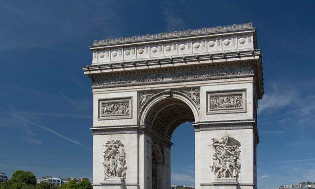 L'oréal : un show évènement sur les Champs Elysées pour la Fashion Week