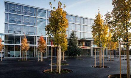 Omega inaugure une nouvelle manufacture à Bienne