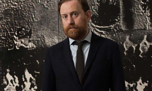 Simon Baker nommé à la tête de la Maison européenne de la photographie