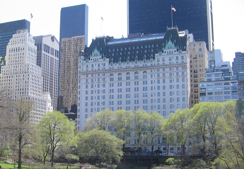 Le Plaza Hotel de New York change de mains