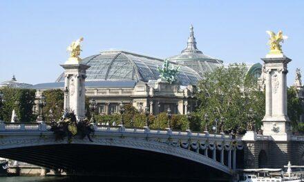 Le Grand Palais ferme ses portes et laisse place à une structure éphémère sur le Champ-de-Mars