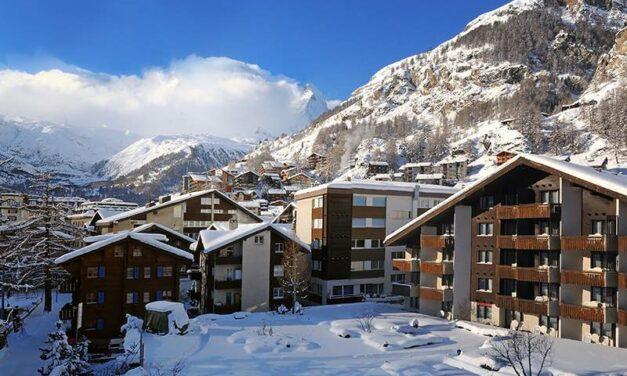 Michel Reybier Hospitality s'offre le Schweizerhof à Zermatt