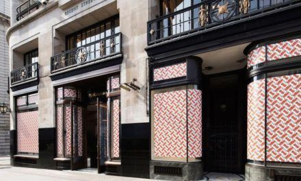 See-now-buy-now : les pièces de la première collection Burberry par Riccardo Tisci disponibles 30 minutes après le défilé