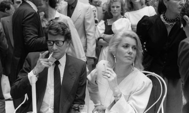 L'actrice Catherine Deneuve vend son vestiaire Yves Saint Laurent