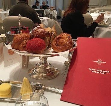 petit_dejeuner_plaza_athenee